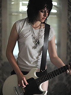 PHOTO: Kristen Stewart Rocks Out as Joan Jett | Kristen Stewart