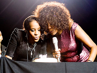 Whitney Houston Surprises Daughter with Cake – and Tunes – on Stage| Whitney Houston
