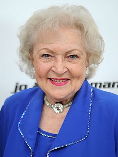 Betty White to Host Saturday Night Live May 8