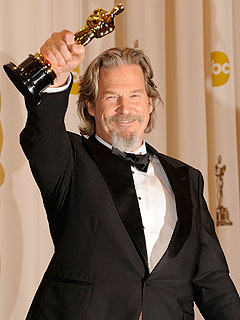 Jeff Bridges Wonders If Oscar Win Is All a Dream