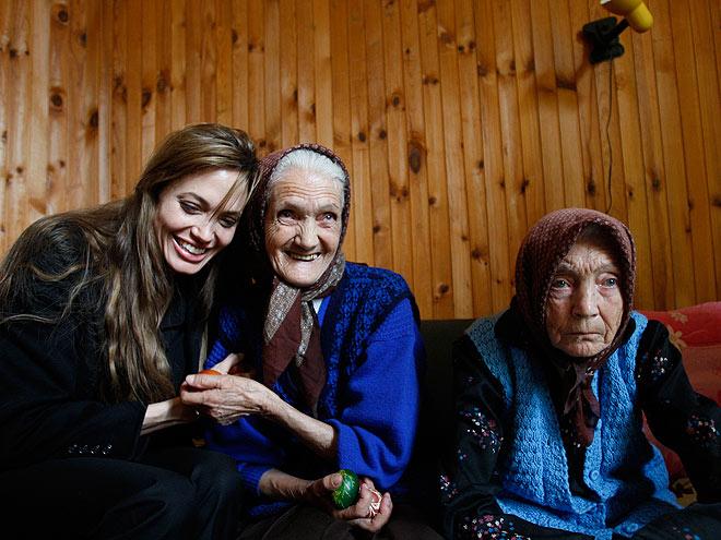 A WARM SMILE  photo | Angelina Jolie