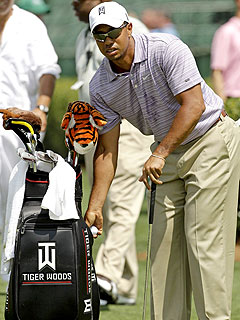 Tiger Woods Arrives for First Post-Scandal Tournament| Sex Scandals, Tiger Woods