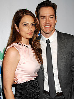Mark-Paul Gosselaar's Ex Files for Joint Custody of Kids
