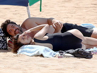 Pen&#233;lope Cruz and Javier Bardem Soak Up the Hawaiian Sun