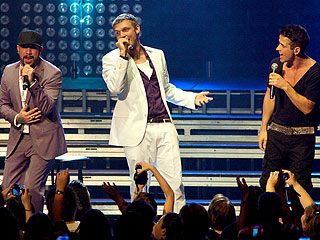 Backstreet Boys Make the New Kids Fans Scream