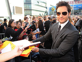 Peter Facinelli's Favorite Career Perk: Sharing with His Fans!