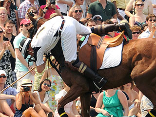 PHOTO: Prince Harry Thrown from Horse During Polo Match| Prince Harry