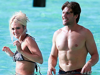 PHOTO: Carrie Underwood's Tahitian Honeymoon