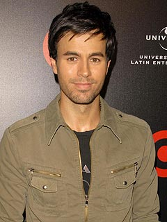 REPORT: Enrique Iglesias Water Skies Naked, As Promised