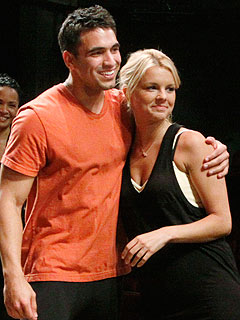 Ali Fedotowsky and Roberto Martinez Will Wed in 2011, Say Friends