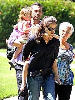 Jennifer Garner & Ben Affleck Enjoy Playtime with the Kids | Ben Affleck, Jennifer Garner