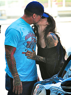 Kat Von D Kisses Jesse James Goodbye ...