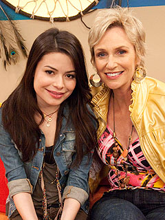 SNEAK PEEK: Jane Lynch Plays a Mean Mom on iCarly | Jane Lynch, Miranda Cosgrove