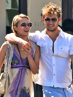 Have Dianna Agron and Alex Pettyfer Called it Quits? | Dianna Agron