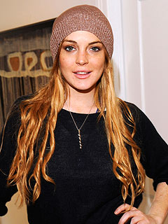 Lindsay Lohan Returns to Rehab