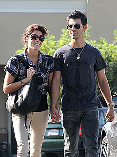 Ashley Greene &amp; Joe Jonas