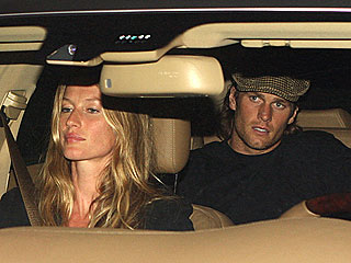 PHOTO: Tom Brady Takes a Back Seat to Gisele B&#252;ndchen | Gisele Bundchen, Tom Brady