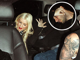 PHOTO: Christina Aguilera Tries to Keep New Love Interest Under Wraps | Christina Aguilera