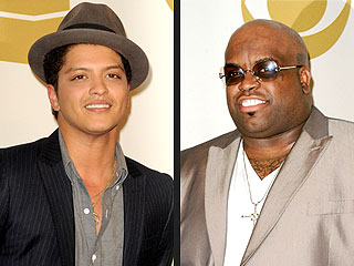 Bruno Mars Reacts to Grammy Noms with F-Word: Fantastic