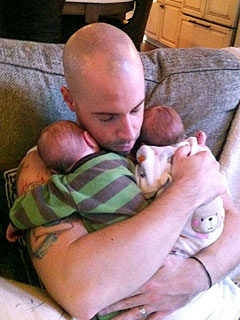 PHOTO: Chris Daughtry Shows Off Twins | Chris Daughtry
