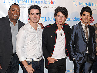 Jonas Brothers' Manager Searching for Next Pop Star