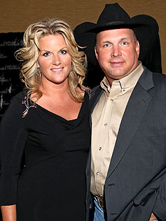 Garth Brooks & Trisha Yearwood Make Anniversary a Family Affair