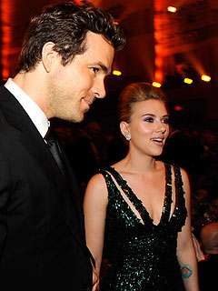 Scarlett Johansson & Ryan Reynolds Split Up