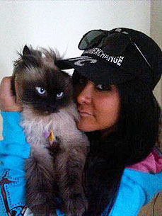 The Water Bowl: Snooki Denied Trademark by a Cat! Plus, Bedbug-Fighting Beagles at Bloomingdales