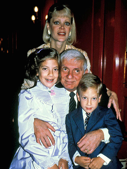 Tori Spelling's childhood home, the Manor, did NOT include: | Tori Spelling