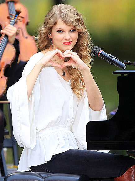 TAYLOR SWIFT