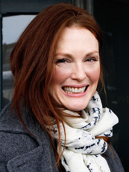 julianne moore. JULIANNE MOORE photo