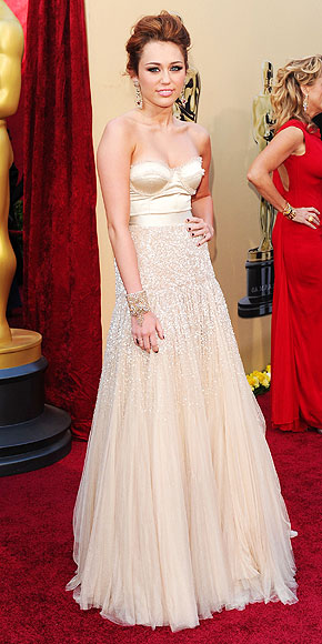 MILEY CYRUS  photo | Oscars 2010, Miley Cyrus