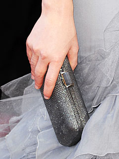 elizabeth banks clutch Oscars Red Carpet Style   2010