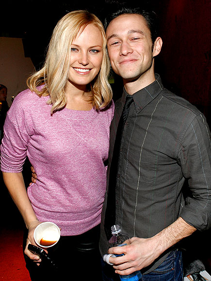 VARIETY ACT photo | Joseph Gordon-Levitt, Malin Akerman
