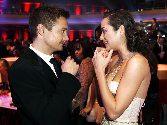 CHAT ROOM photo | Jeremy Renner, Marion Cotillard