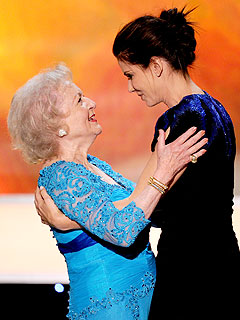 Sandra Bullock Jokes: I Find Betty White Annoying | Betty White, Sandra Bullock