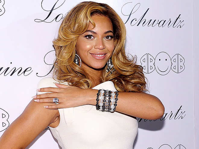 BEYONCÉ'S DIAMONDS photo | Beyonce Knowles