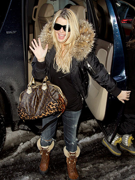 COOL & COLLECTED  photo   Jessica Simpson