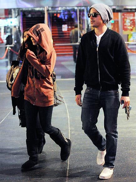 DATE NIGHT photo | Vanessa Hudgens, Zac Efron