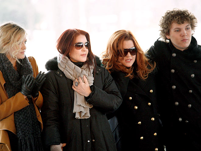 ALL HAIL THE KING photo | Lisa Marie Presley, Priscilla Presley, Riley Keough