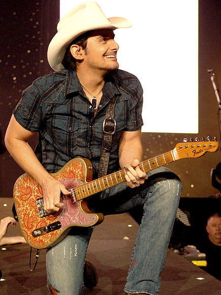 Star tracks monday january 25 2010 strike a chord for How many kids does brad paisley have