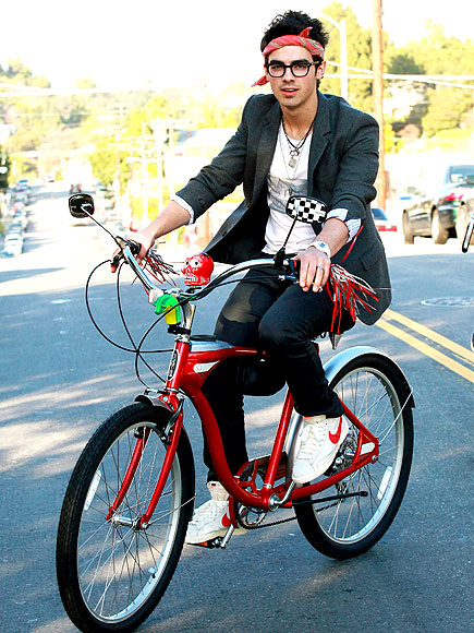 LONE RIDER photo | Joe Jonas