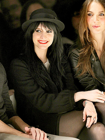 STYLISH SUPPORTER photo | Ashlee Simpson