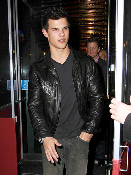 WOLF IN CHIC CLOTHING photo | Taylor Lautner