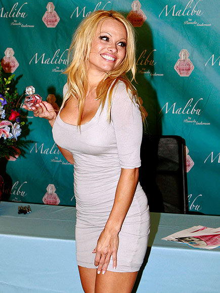 MAKING SCENTS photo | Pamela Anderson