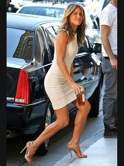 STEP ASIDE photo | Jennifer Aniston
