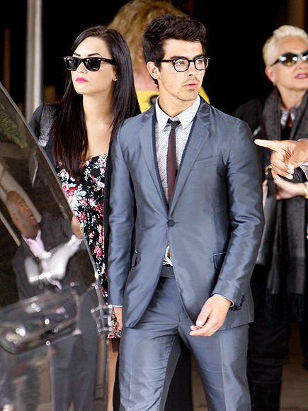 SUNDAY BEST photo | Demi Lovato, Joe Jonas