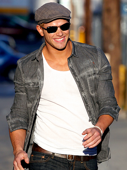 HOT STRUT photo | Kellan Lutz