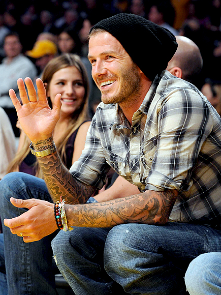 SIDELINE SMILE photo | David Beckham