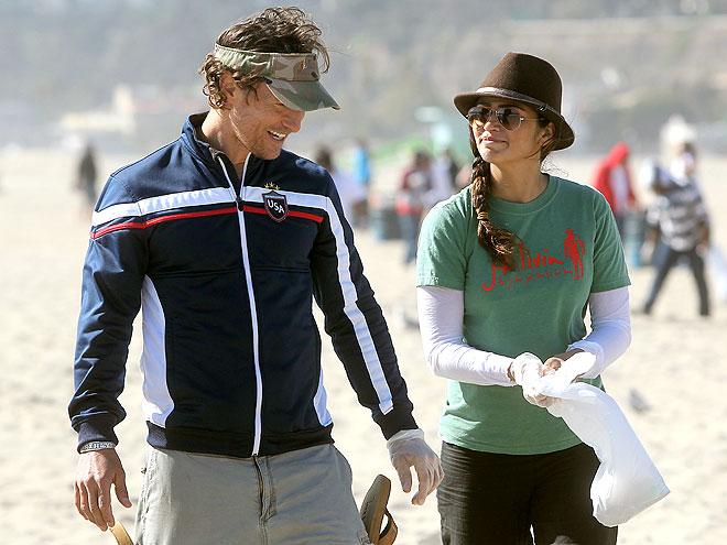 BEACH BUDDIES photo | Camila Alves, Matthew McConaughey